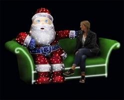Mikołaj 4 na sofie